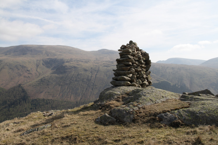 'Beacon', a very narrow cairn, in reality a short section of wall!