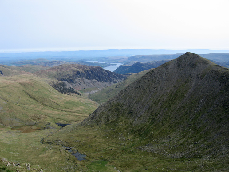 Brown Cove directly below and the pointed Catstycam with Sheffield Pike and Ullswater beyond and the North Pennines on the skyline