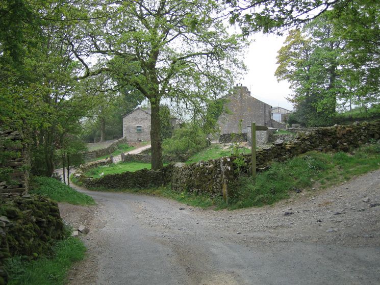 Mosergh Farm, we turned right here to follow the bridleway