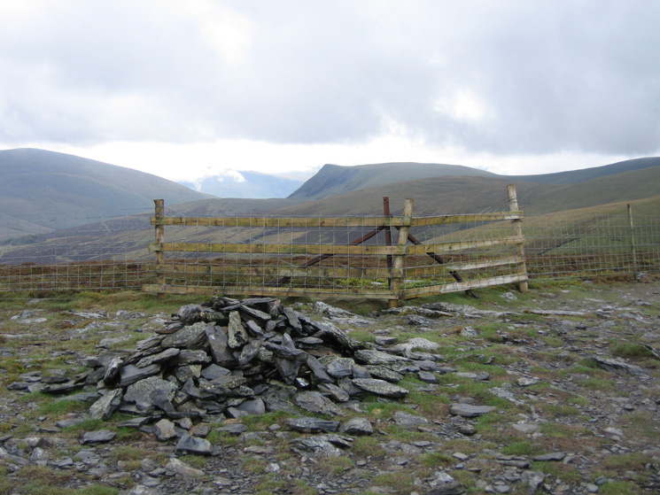 Lonscale Fell from the fence corner and Bakestall's true summit