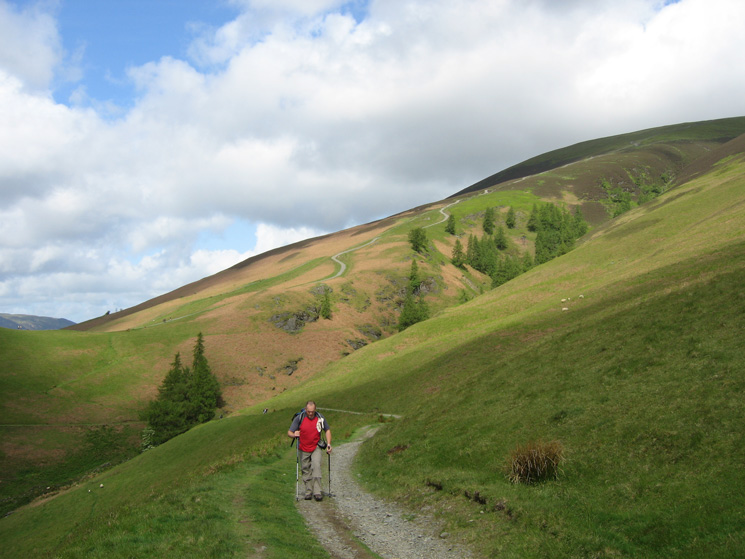 Heading along the Cumbria Way with the Jenkin Hill path behind as we head for our route up Lonscale Fell