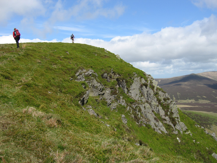 Approaching Lonscale Fell's east top