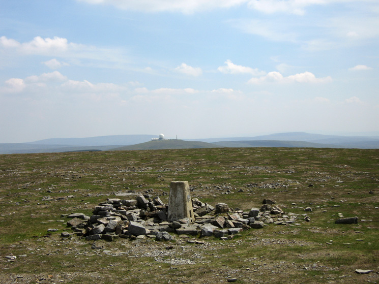 Looking south to the 'golf ball' on the top of Great Dun Fell from the trigpoint at Cross Fell's summit