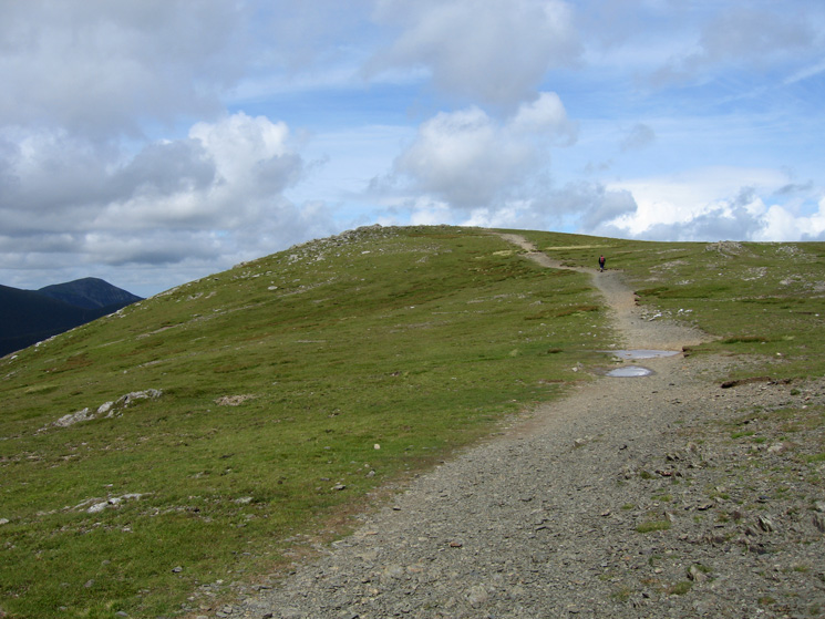 Approaching Hindscarth's summit