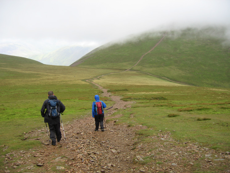 Descending to the col between Eel Crag and Grasmoor