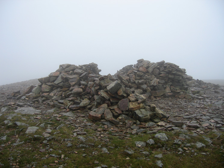 Grasmoor's summit cairn / shelter