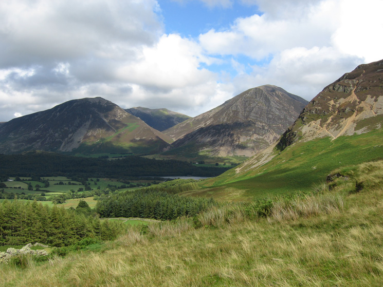 Hopegill Head between Whiteside and Grasmoor with the north end of Mellbreak on the far right