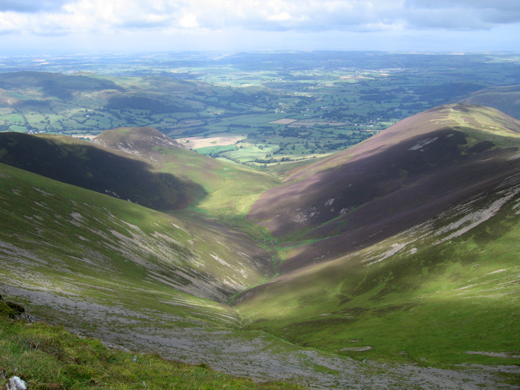 The valley of Hope Gill with Dodd on the left and Swinside on the right