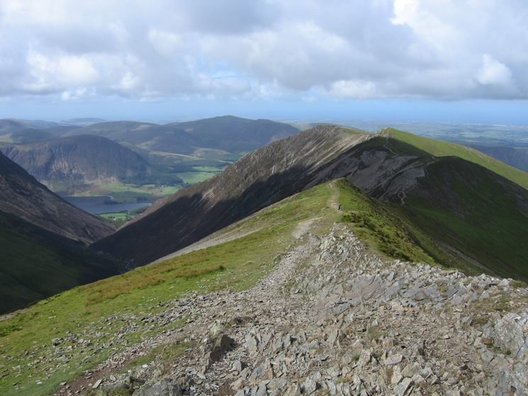 The ridge to Whiteside from Hopegill Head's summit