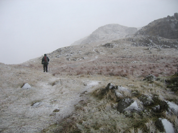 Higher up Middle Fell now and the rain has turned to snow which has started to settle