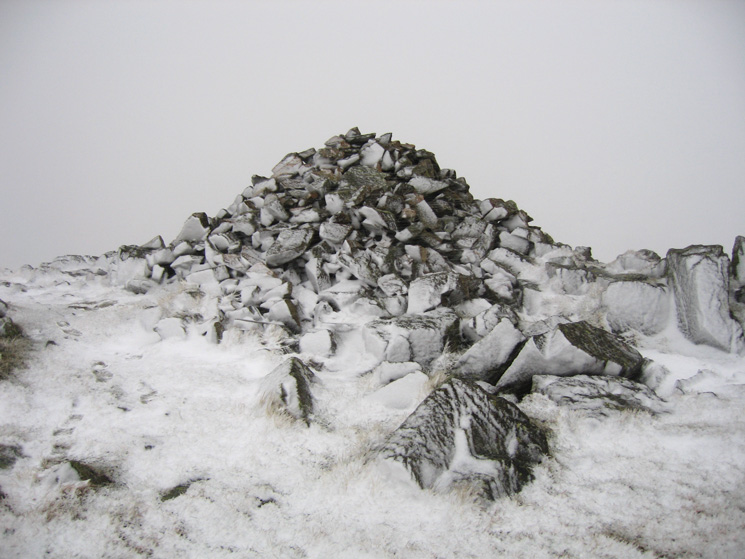 Middle Fell summit cairn