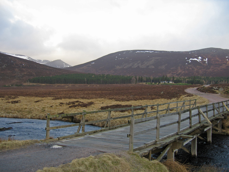 Lochnagar visible in the distance (left) from the bridge over the River Muick as I head towards Allt-na-giubhsaich