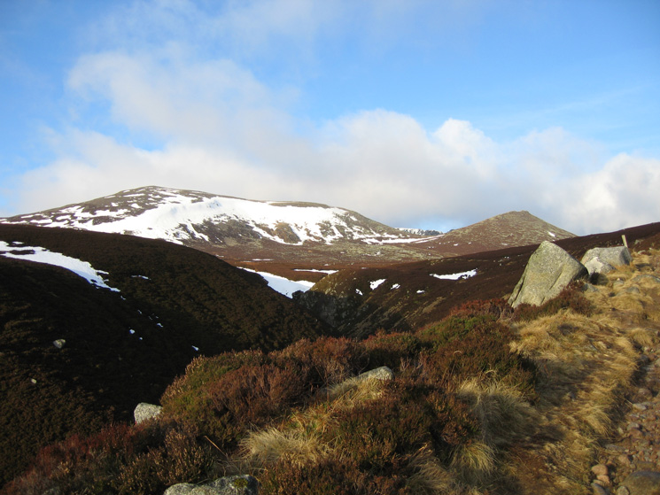 Cuidhe Crom and Meikle Pap