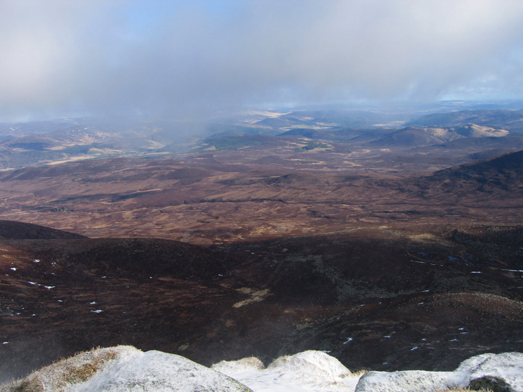 The view north east towards Ballater from Cac Carn Beag