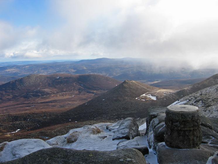 Caisteal na Caillich, Conachcraig and Meikle Pap from Lochnagar's summit