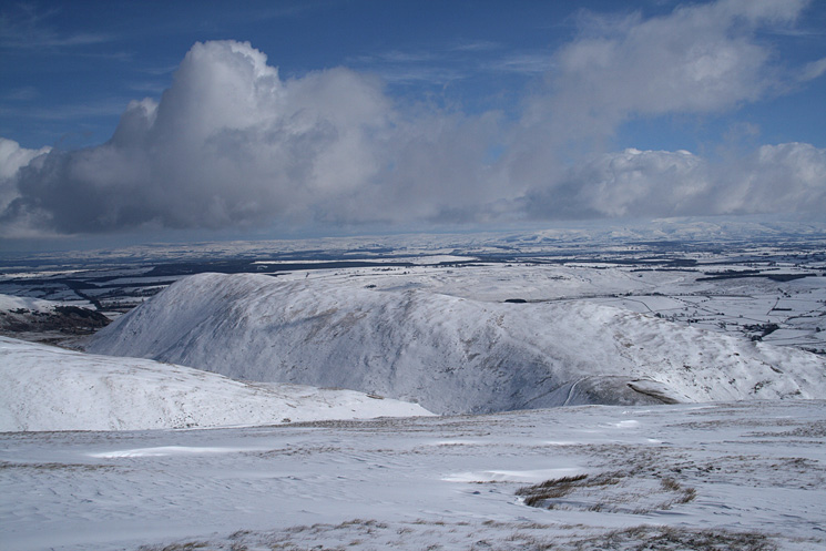 Looking over Souther Fell to the North Pennines