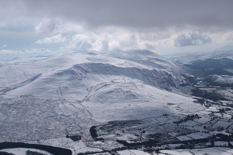 Clough Head and the Dodds leading to Helvellyn from Blencathra's summit