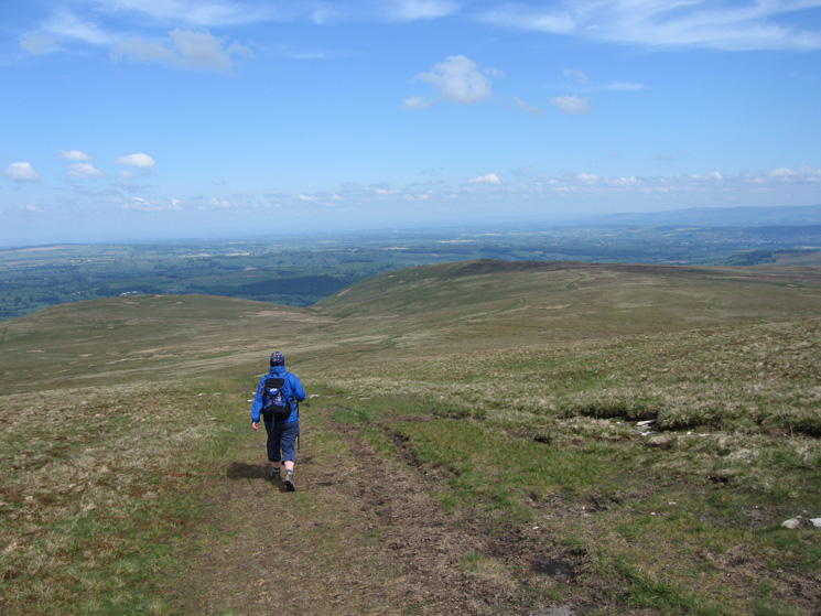 Heading back north from Loadpot Hill with Bonscale Pike (left) and Arthur's Pike (centre right) ahead