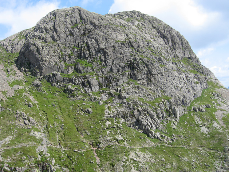 Harrison Stickle with the Pike Howe path above Dungeon Ghyll