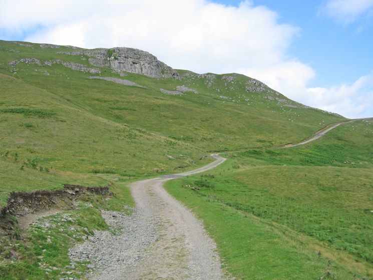 The track pass below Murton Crag