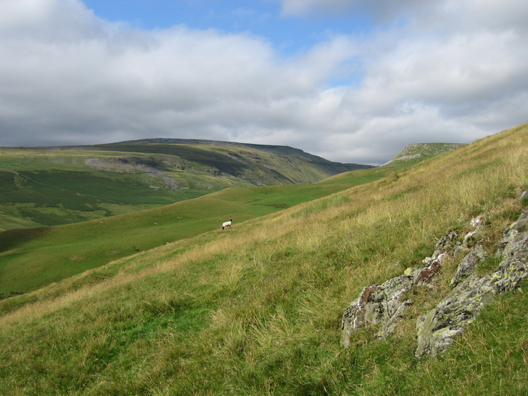 Looking towards High Cup and Middletongue Crag
