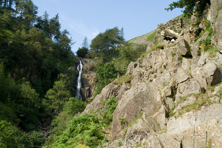 The firsts short scramble up to the gate. Taylorgill Force comes into view.