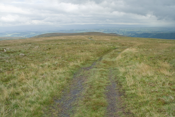 The path down to Low Kop