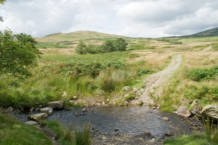 Sour Howes from a ford and stepping stones on the bridleway back down into Kentmere