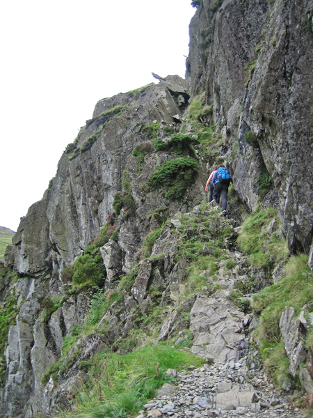 The groove up to Great Gully with 'The Gun' on the skyline