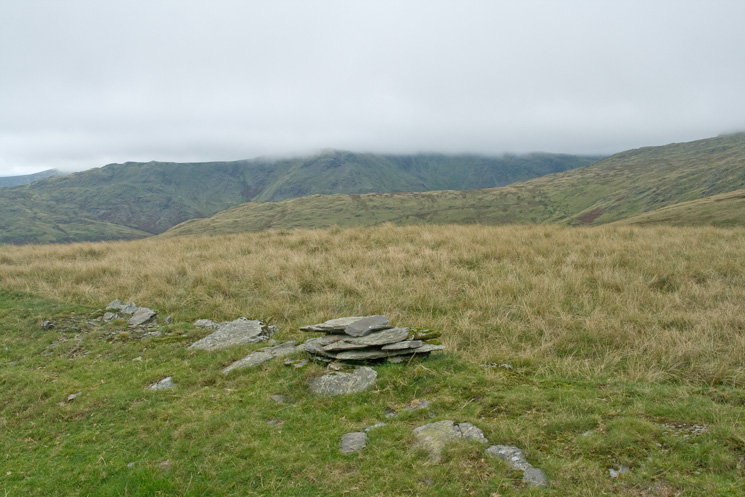 A small cairn marks the 541m spot height which marks the turning/far point of the Bannisdale horseshoe