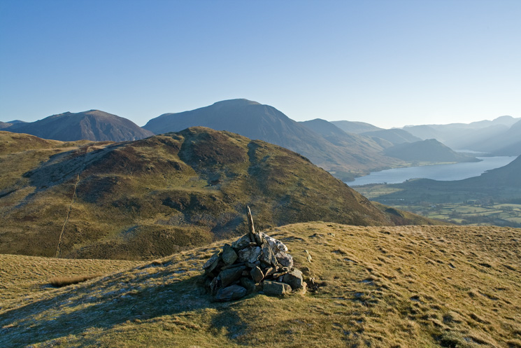 Low Fell's southern top with Grasmoor behind and Crummock water right from Darling Fell