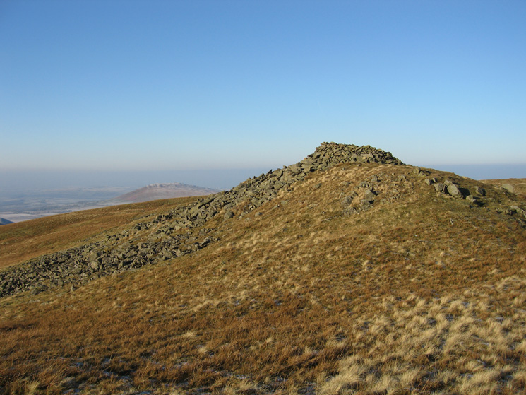 Meal Fell's summit cairn/shelter