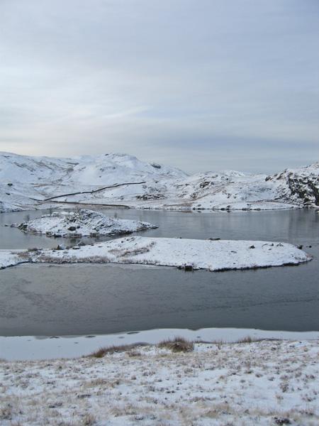 Peninsula and island, Angle Tarn