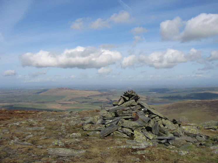 North from Bakestall's northern summit cairn