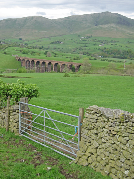 Lowgill Viaduct and Fell Head