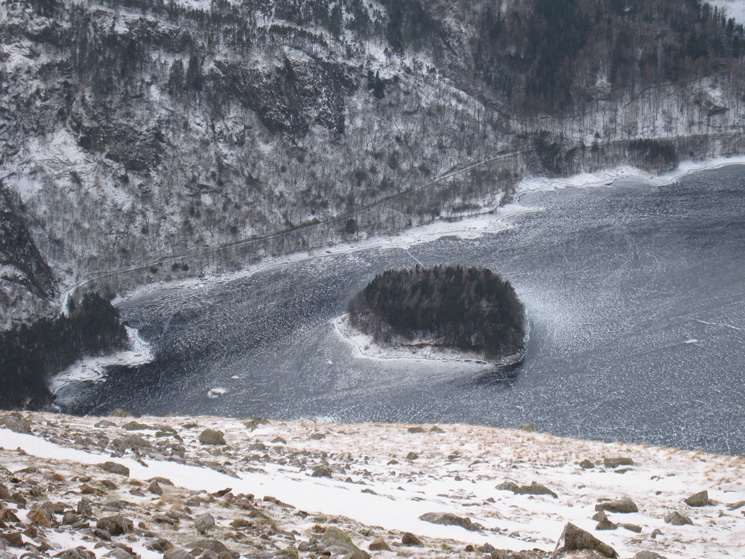 Hawes How Island and a frozen Thirlmere