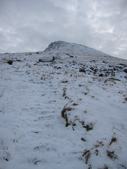 On the path up to Browncove Crags