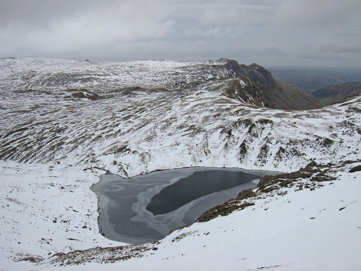 Angle Tarn with the Langdale Pikes behind