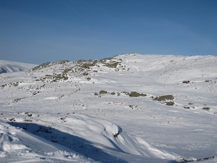 Looking towards Sheffield Pike's summit