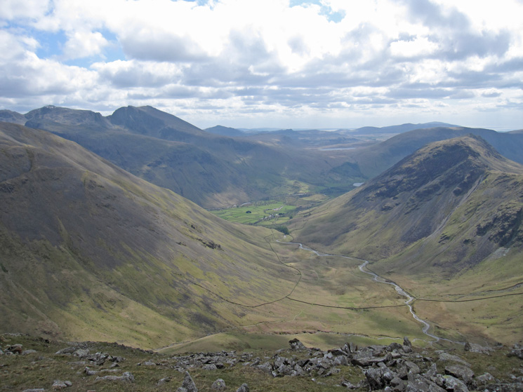 Mosedale with Yewbarrow on the right from high on Pillar