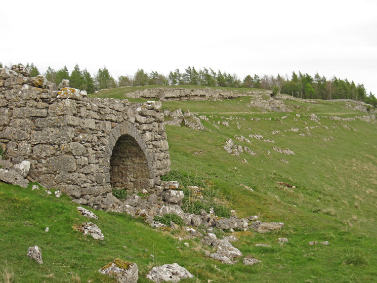 The old limekiln, Knipescar Common