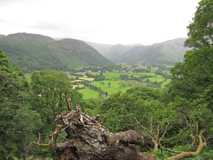 The view towards Rosthwaite and Eagle Crag