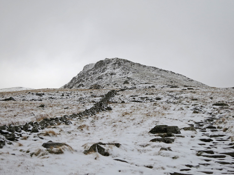 Looking up to Browncove Crags